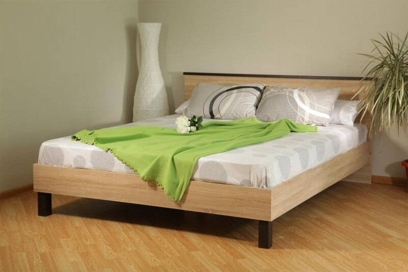 Кровать  двуспальную